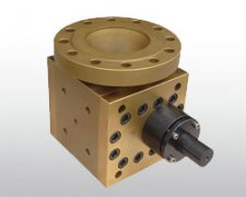 Gear pump shell liquid squeeze casting
